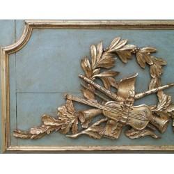 Détaille d'une paire  de trumeau LOUIS XVI avec ces deux haut de porte pour décorer deux cheminées
