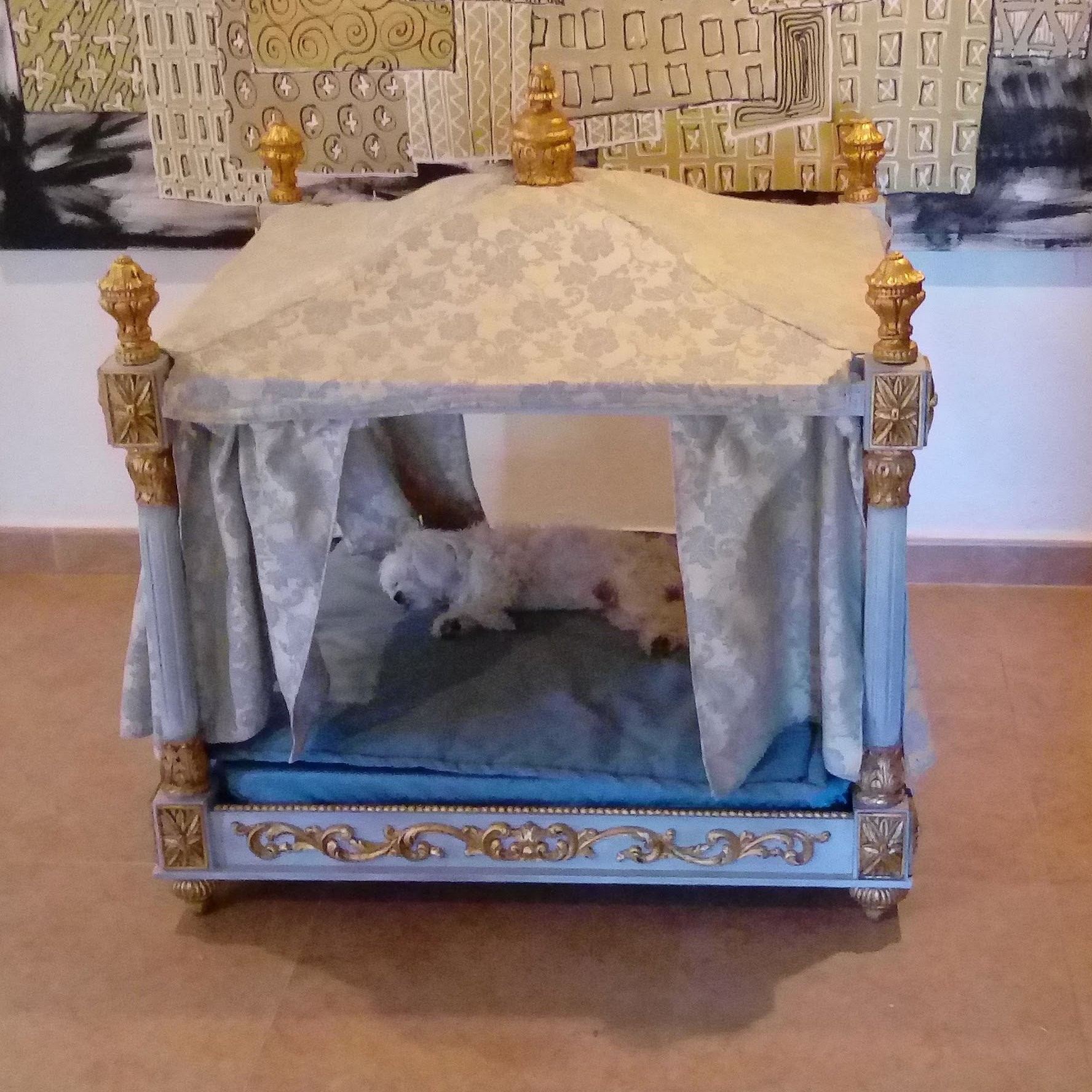 Bed for dog or cat luxury and romantic